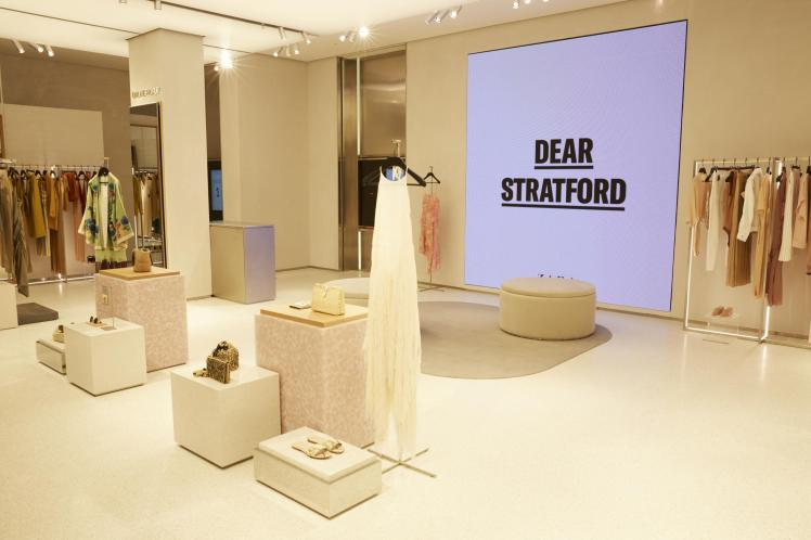 Zara store of the future integrated offline and online